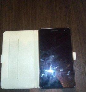 Мини планшет Huawei,не битый белый,с рук,2 симки.