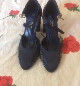 Туфли новые размер 37