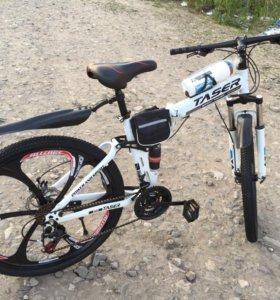Велосипед на литых дисках. Складной.