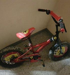 Велосипед, для 4-6лет.