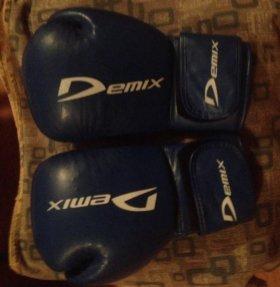 Перчатки боксёрские Demix