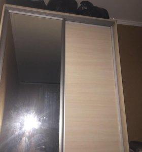 Шкаф двух дверный