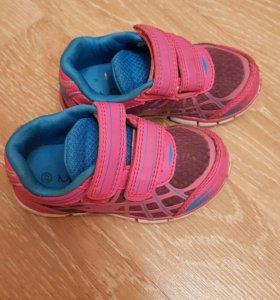 Кроссовки,ботинки 22 размер