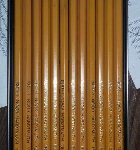 Набор карандашей разной твердости