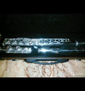 Продам флейту Форест