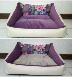 Лежанки для кошек и собак.