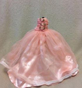 Бальное или свадебное платье для кукол.