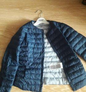 Куртка-пуховичок(легкая)на 9-10 лет.