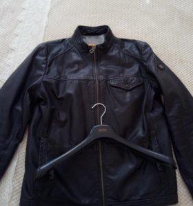 Кожаная куртка Хуго Босс