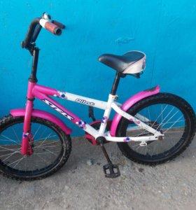 Розовый велосипед.