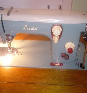 Швейная машина Лада 236-1