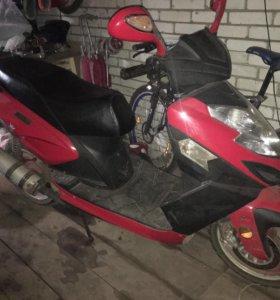 150-кубовый скутер цунами