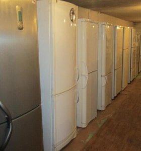 Продаю двух камерные холодильники
