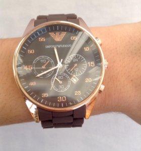Крутые часы, подчеркнут стиль владельца