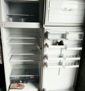 Продам холодильник б/у двухкамерный
