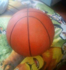 Ботскедбольный мяч