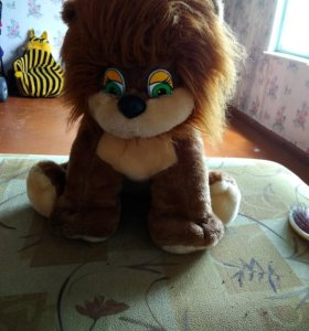 Мягкая игрушка лев.