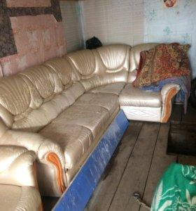 Продам уголок + кресло  (диван )