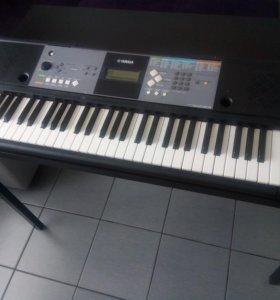 синтезатор , цифровое пианино