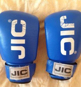 Боксерские перчатки + бинты