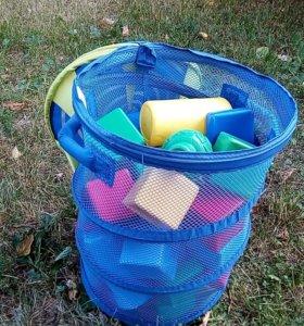 Корзина с кубиками для игры и песочницы