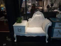 Новый диванчик в прихожую