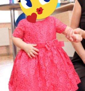 Carters Нарядное праздничное платье 1 годик