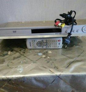 Видеомагнитофон Samsung DVD