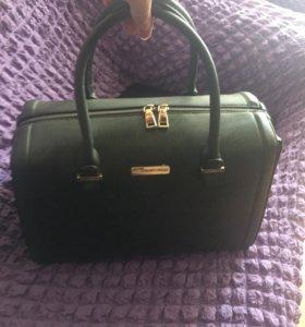 Стильная,вместительная, новая сумка
