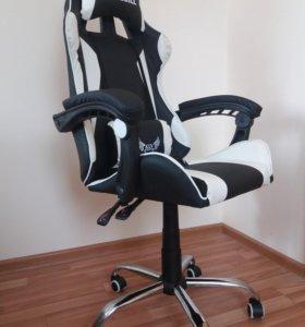 Компьютерное геймерское кресло