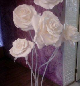 Стойка из 5 роз