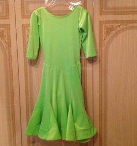 Рейтинговое платье для спортивно-бальных танцев.