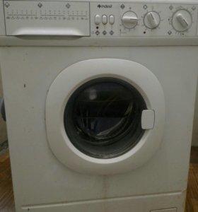 Стирально-сушильный автомат Indesit WDN2296XWU