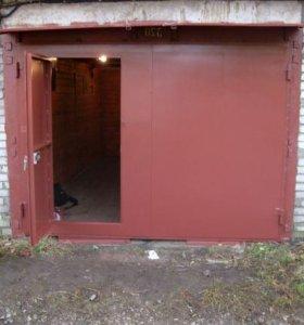 Ворота для гаража из металла 3х2.5 м