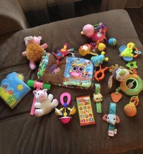 Игрушки пакетом до 1 года
