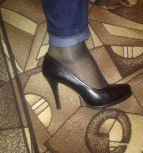 Новые красивые туфли из нат. кожи 38 р-ра
