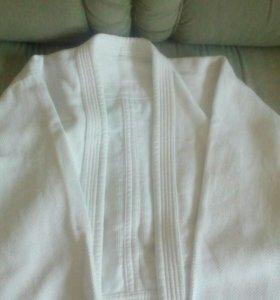 Кимоно белое разм. 52 - 54 отличное состояние