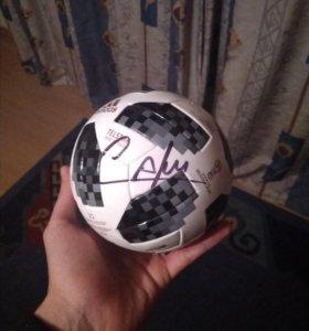 Мяч с автографом Kafu