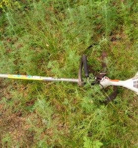 Косим траву кустарники