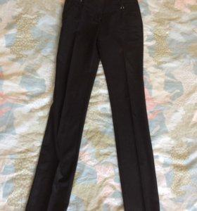 брюки на бедра 85см