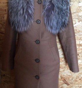 Пальто новое из итальянской шерсти, чернобурка мех