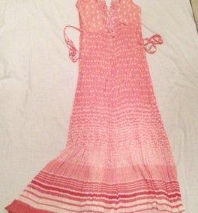 Коралловое платье,сарафан,с кружевом на груди