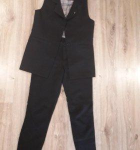 Костюм(жилет и брюки)