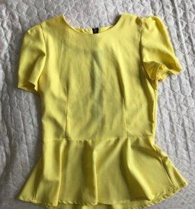 Лимонная блуза с баской