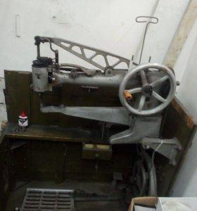 Военная швейная машина