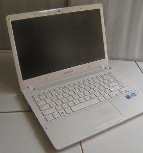 Ноутбук Samsung NP370R5E-SO6RU