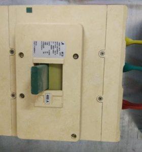 Шкаф металлический и Выключатель ВА51-39 400А