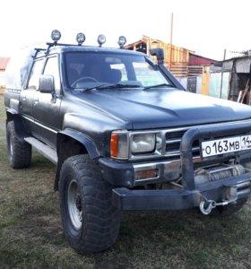 Toyota Hilux, 1989