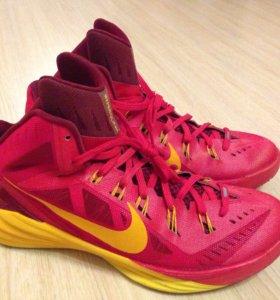 "Баскетбольные кроссовки Nike Hyperdunk '14 ""Spain"""
