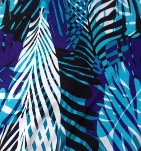 Летний красивый сарафан с тропическим принтом